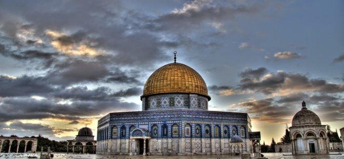 İsrail polisi Mescid-i Aksa'ya saldırdı: 35 kişi yaralandı