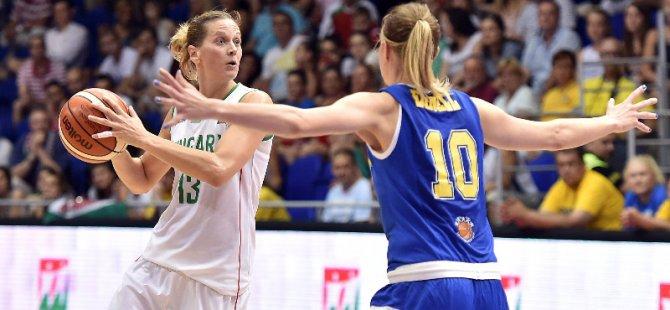 Anna Vajda, Yakın Doğu Üniversitesi Kadın Basketbol Takımı'nda...