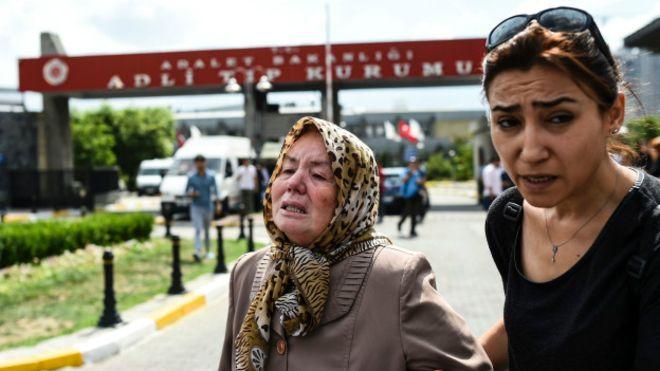 Son Haber:  Atatürk Havalimanı'nda saldırı: 41 ölü, 147 yaralı