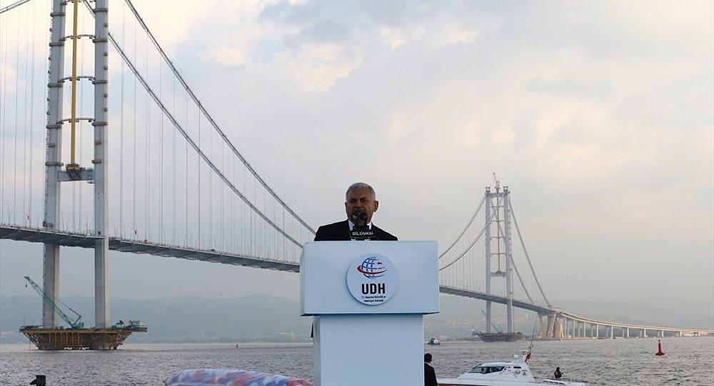 Başbakan Yıldırım: Teröre karşı en güzel cevap Osmangazi Köprüsü