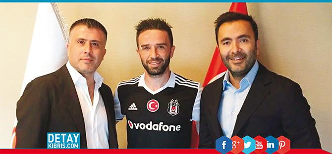 Beşiktaş, Gökhan Gönül'ü açıkladı.