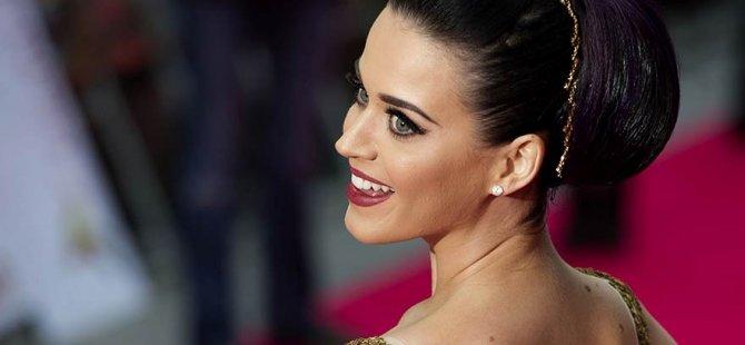 Katy Perry Twitter'da rekor kırdı