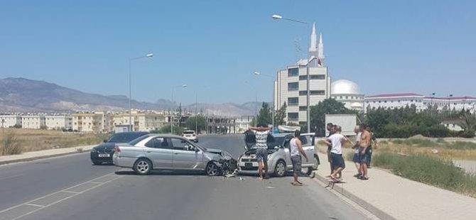 Lefkoşa'da kaza, kafa kafaya vurdular