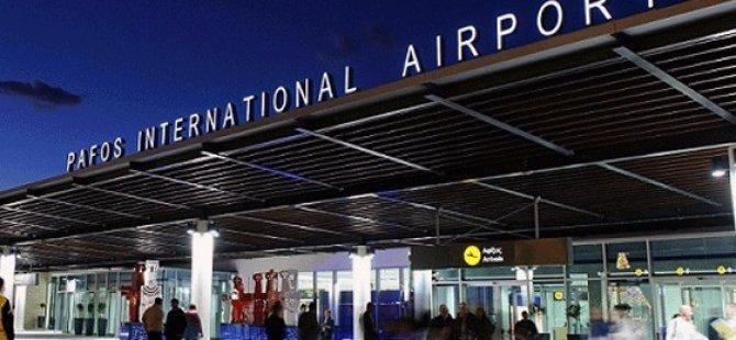 Baf Havalimanı'nda iş bırakma eylemi yapıldı
