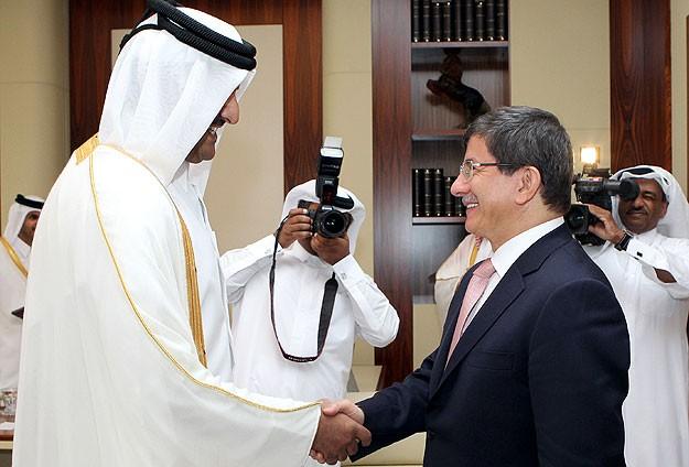Davutoğlu Katar Emiri ile bir araya geldi