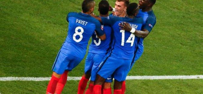 Finalin adı: Fransa - Portekiz
