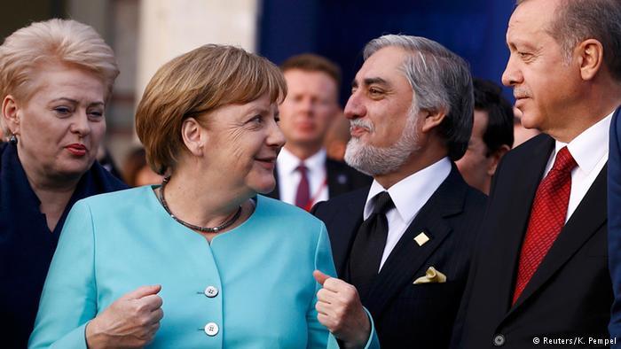Varşova'da Merkel - Erdoğan görüşmesi