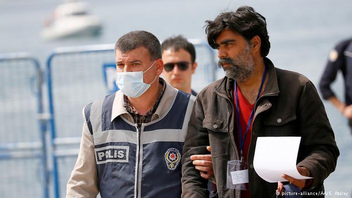 AB Türkiye'den az sayıda mülteci aldı