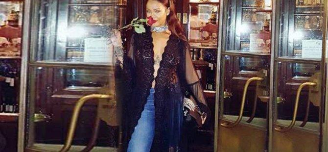 Rihanna hep transparan