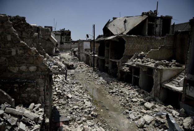 Esed güçleri 25 kişiyi infaz etti