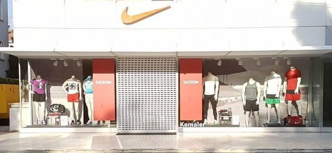 İki şampiyonada da kazanan neden spor giyimleri markası Nike oldu?