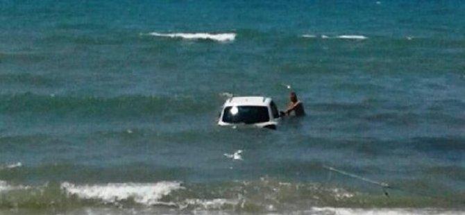 Otomobiliyle plaja daldı: 1 ölü