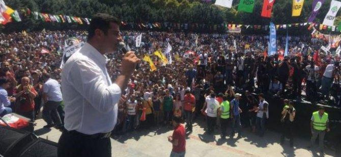 HDP'den İstanbul'da Darbeye Hayır Mitingi