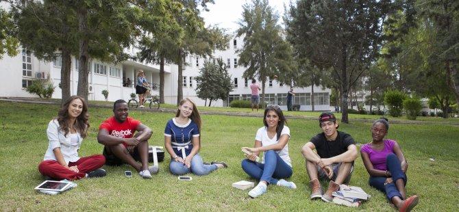 DAÜ'ye Kayıt Hakkı Kazanan Yeni Öğrencilerin Kayıtları Devam Ediyor