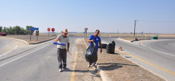 Değirmenlik Belediyesi refüj temizliklerini sürdürüyor
