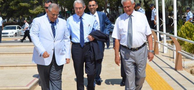 TC Lefkoşa Büyükelçisi Kanbay, DAÜ'yü ziyaret etti