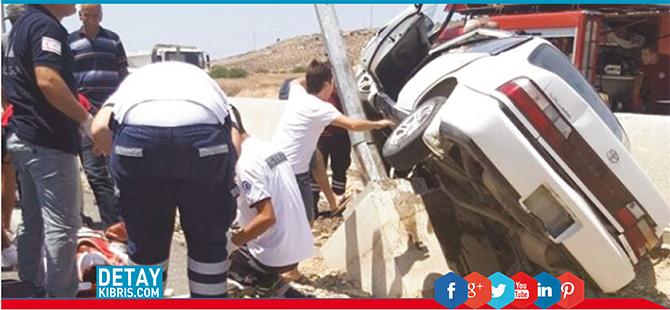 Serhatköy'de kaza: Direğe çarparak durabildi.