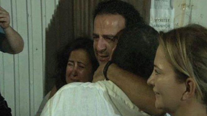 Nazlı Ilıcak tutuklandı, Bülent Mumay serbest
