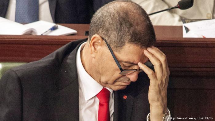 Tunus'ta hükümet güvenoyu alamadı