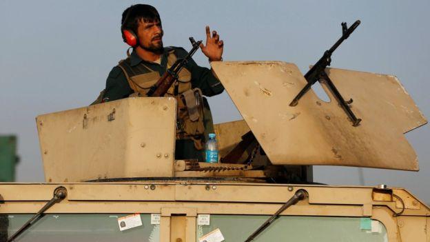 Kabil'de askeri yerleşkeye saldırı