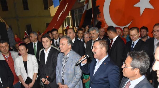 Ak Partili Şahin: Türkçe Olimpiyatları bir tiyatroydu, biz de saf saf alkışladık