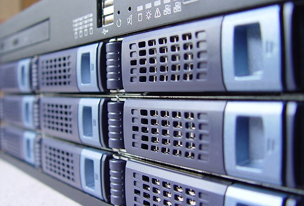 Bilgisayar sunucu savaşları kızışıyor