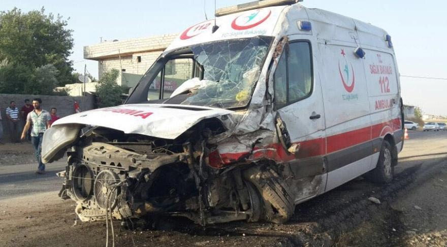 Kazada ambulans bu hale geldi!
