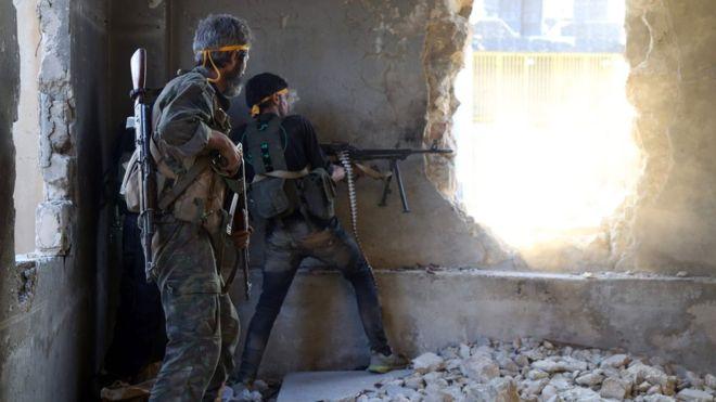 Suriyeli muhalifler 'Halep kuşatmasını kırdı'