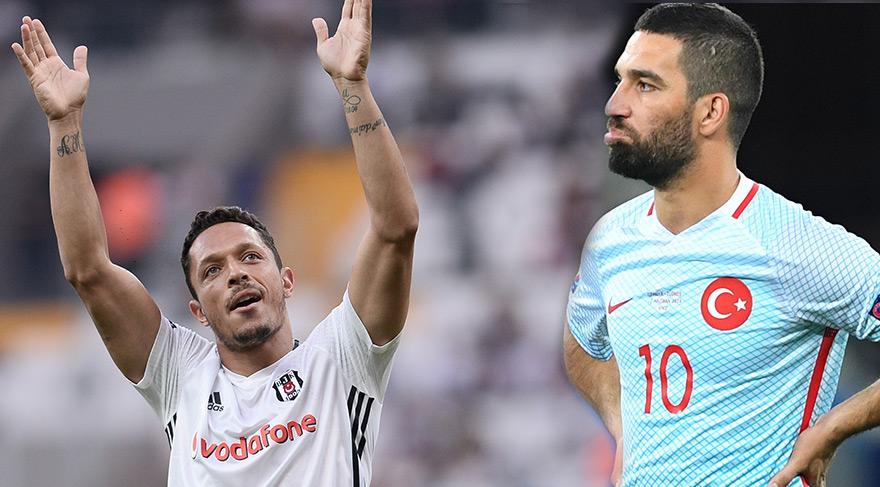 Beşiktaş'ın transferinde Arda Turan aracı