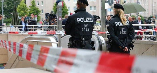 Teröristlerin fotoğrafları gösterilmeli mi?