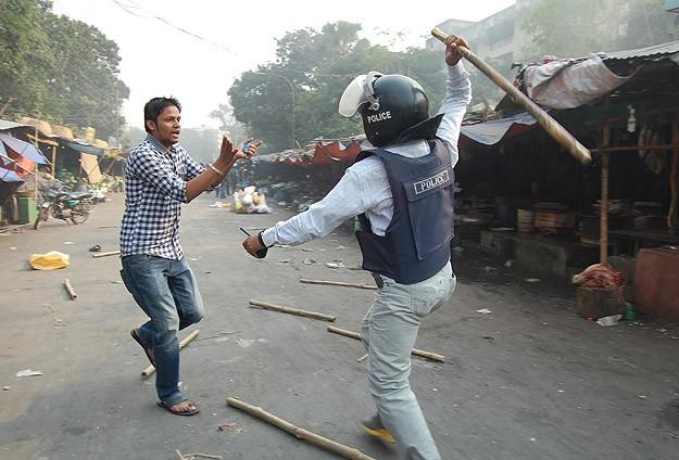 Bangladeş'te olaylar devam ediyor