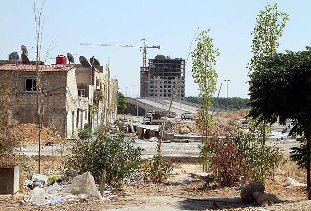 Esed güçleri havadan ve karadan saldırdı: 89 ölü