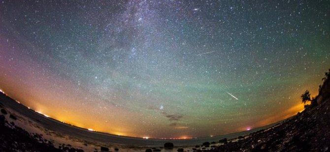 Büyüleyici Perseid meteor yağmuru