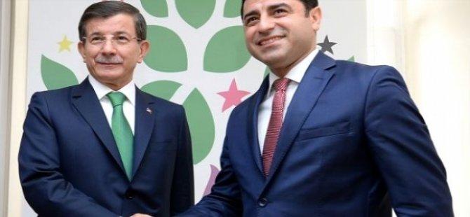 Demirtaş'tan Davutoğlu'na 'Menbic' göndermesi: O zaman dans