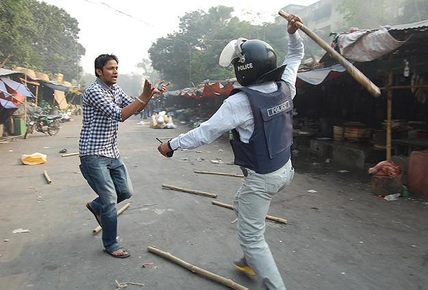 Bangladeş'teki gösterilerde 18 kişi yaralandı