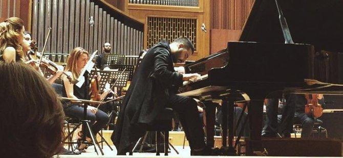 Kıbrıslı Türk piyanist Eser Öktem, Ankara'da konser verdi!