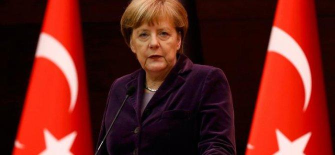 Merkel: Türkiye ile bağımız özel