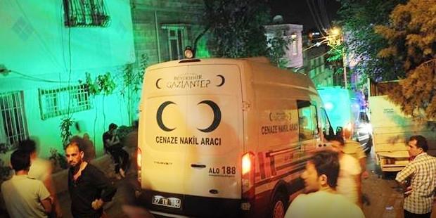 """Gaziantep'te Bomba! En az 30 ölü, 94 yaralı, AKP milletvekili """"IŞİD"""" dedi"""