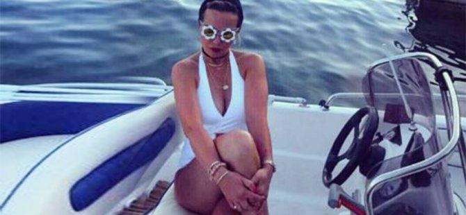 Rita Ora'nın annesi Instagram fenomeni oldu