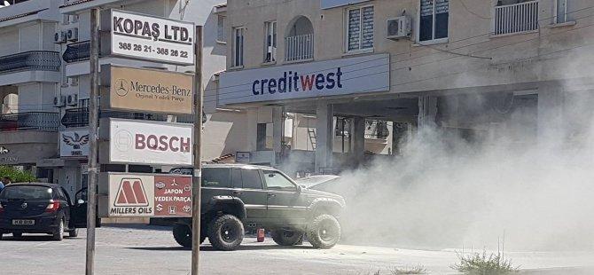 Son Dakika: Mağusa'da araç yandı