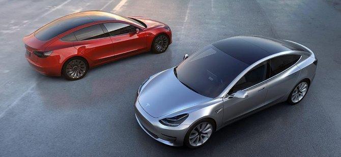 Tesla yeni bataryasıyla Ferrari ve Porsche'a rakip oldu