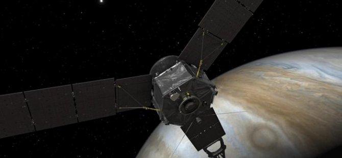 Juno Jüpiter'e en yakın mesafeden geçti