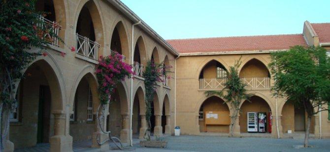 Rum Ombudsman İngiliz Okulu'nda Kıbrıslı Türkleri mağdur eden kararlar alındığına işaret etti