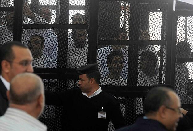 Darbe karşıtı göstericilere 2 yıl hapis