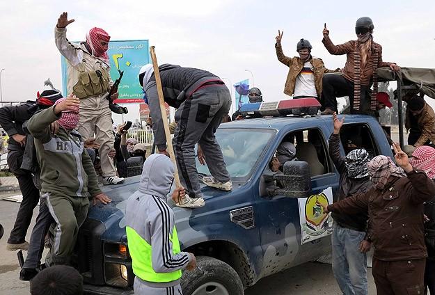 Irak'ta güvenlik güçleriyle aşiretler arasında çatışma