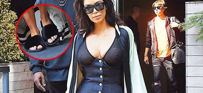 Kim Kardashian'ın tuhaf sokak stili şaşırttı