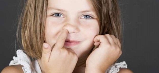 5 yaşındaki çocuğun burnundan zeytin çekirdeği çıktı