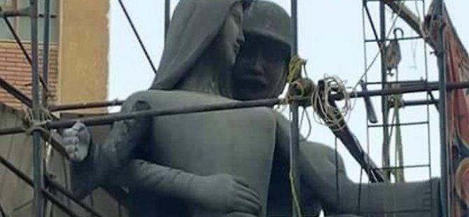 Mısır'da cinsel taciz sergilemekle suçlanan heykel değiştirildi