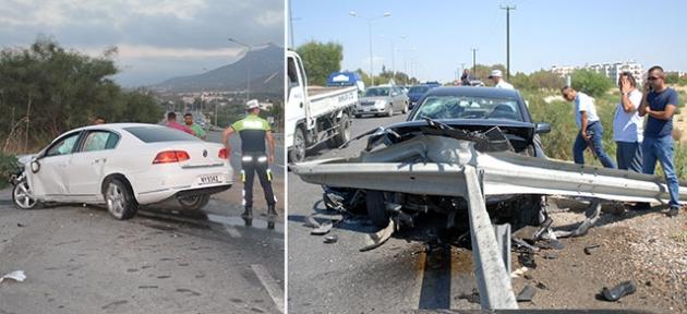 İki kazada araçlar bariyerlere çarparak durabildi