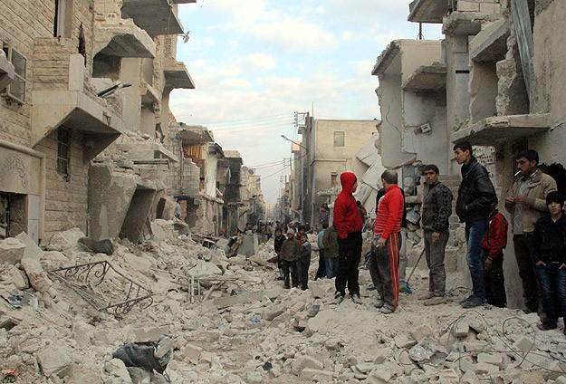 """Esed muhaliflere """"varil bombasıyla"""" saldırdı"""